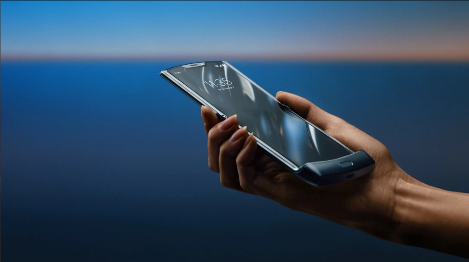 Motorola Razr Foldable Phone Arrives In India: Pricing, Offers, Specs!